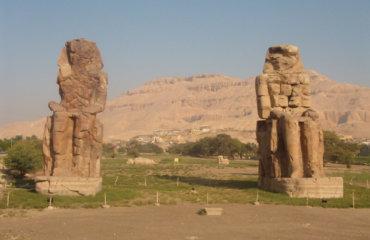 EGYPTE 039 - LOUXOR - THEBES - COLOSSES DE MEMNON 8