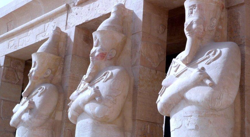 EGYPTE 074 - LOUXOR - THEBES - DEIR EL BAHARI 13